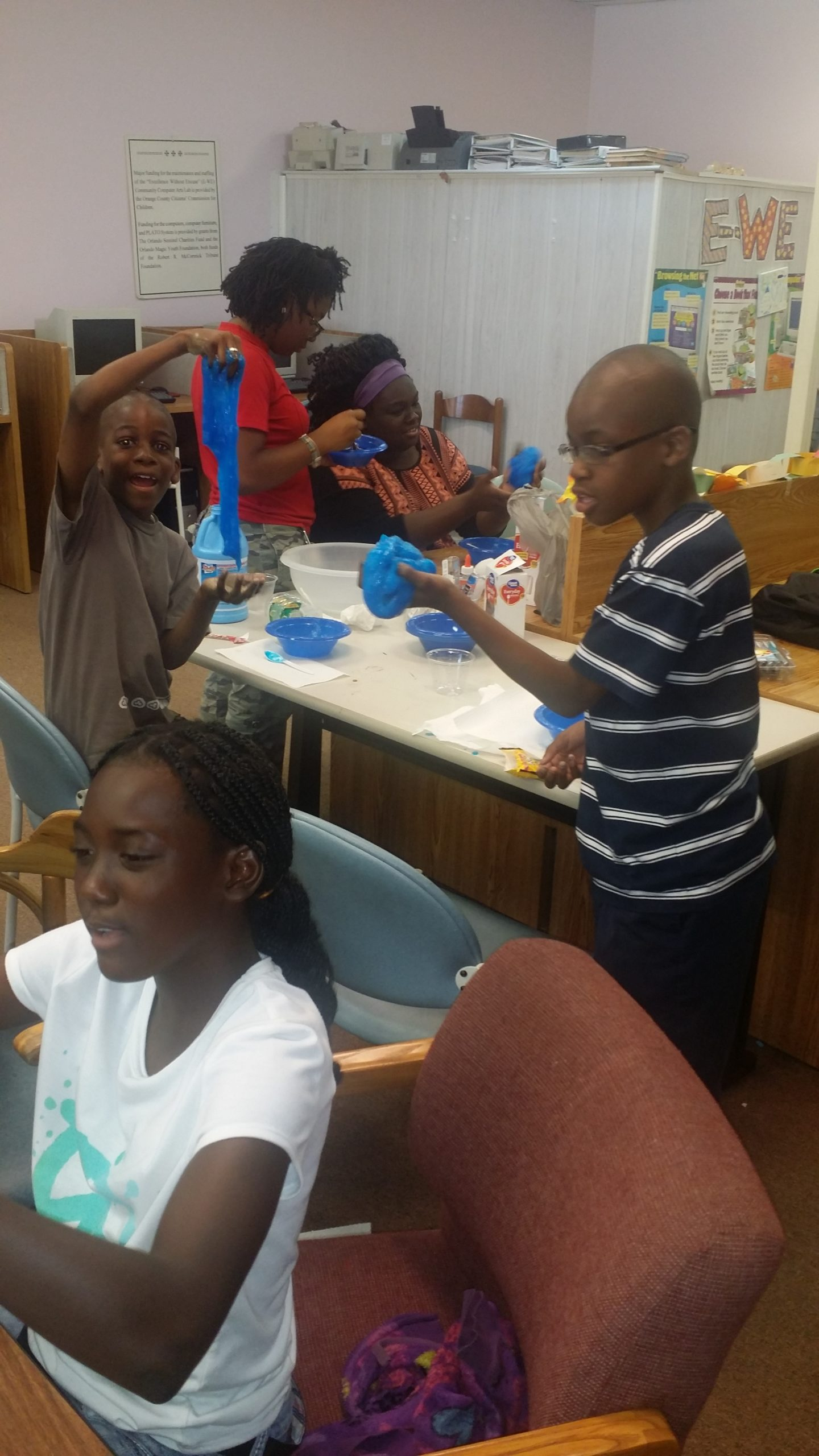 P.E.C. Summer STEM Camp. Students at the Excellence Without Excuse (E-WE) Lab.